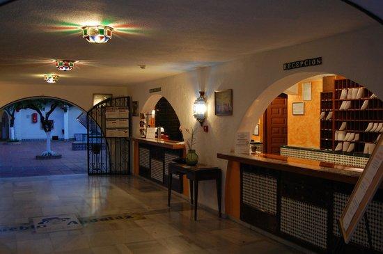 Globales Pueblo Andaluz : Reception
