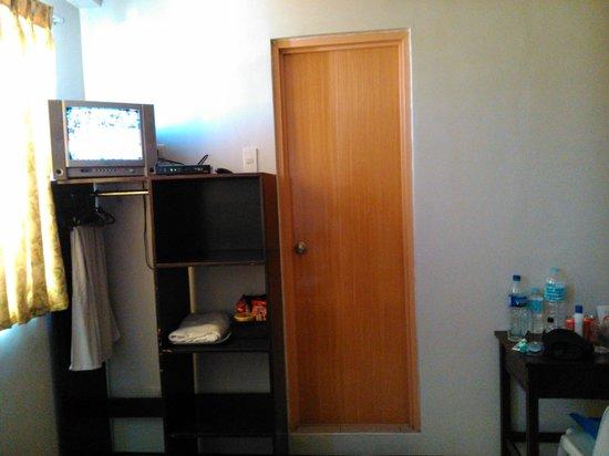 Buena Vida Suites Capitol: Inside the room 1