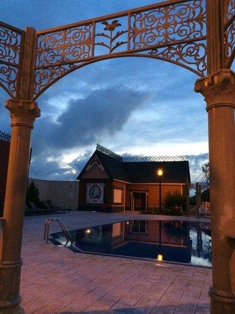 PortAventura Hotel Gold River: piscine lucy's mansion
