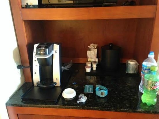 Hilton Garden Inn Lakewood: Coffee maker in the room