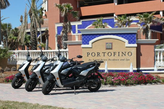 Portofino Island Resort: Scooters and Trikes available!