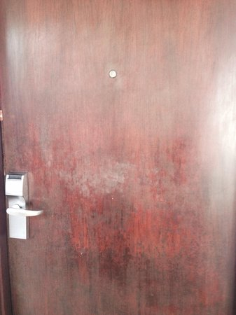 Sheraton Senggigi Beach Resort: Door of deluxe room . Need Maintenance