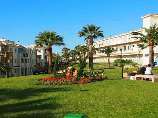 Blau Punta Reina Resort: Anlage zwischen den Appartements und dem Hauptgebäude
