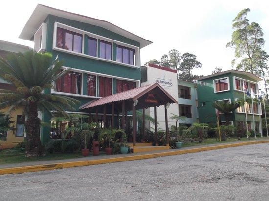 Hotel Los Helechos : Entrada.