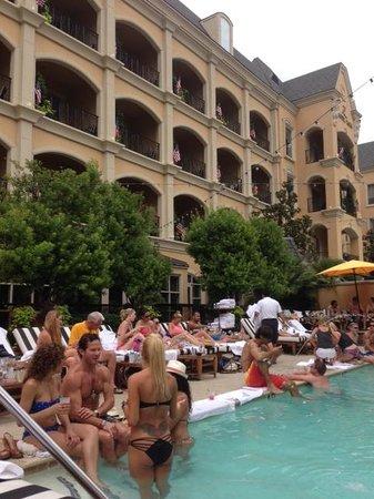 Hotel ZaZa Dallas: Poolside