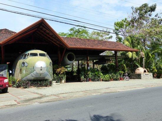 Falls Resort at Manuel Antonio : el avion