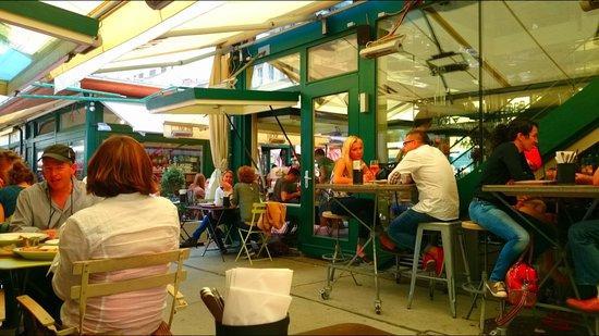 Neni am Naschmarkt: Neni exterior