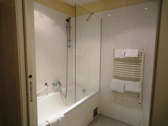 Starlight Suiten III Heumarkt : Bathroom