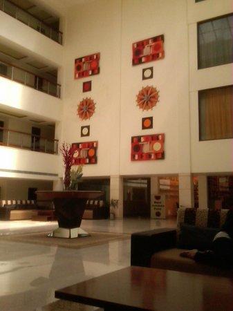 The Atrium on the Greens : Lobby