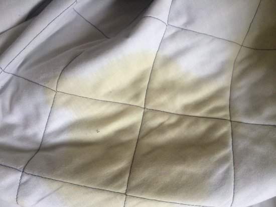 Airport Guest House Heathrow : Dirty sheets