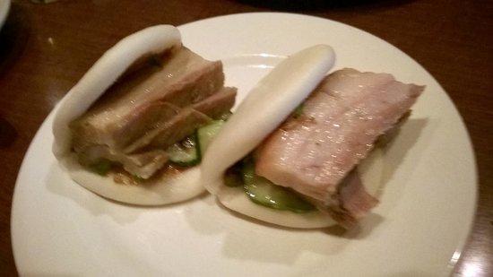 Momofuku Ssam Bar: Steamed Buns