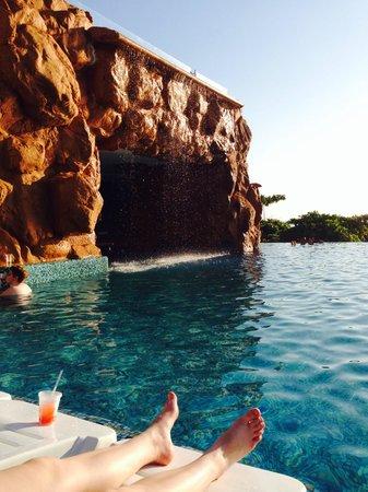 Azul Ixtapa Grand Spa & Convention Center : Swim up bar