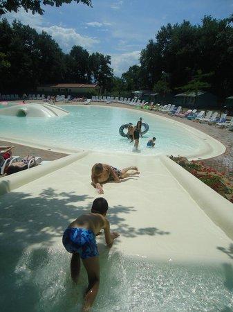 I Pini Family Park: piscina