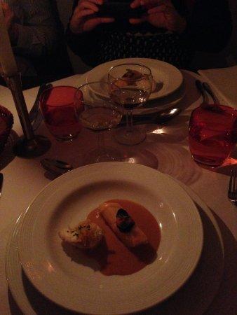 Brasserie Degas: rana pescatrice fritta con scampi e guarnizione