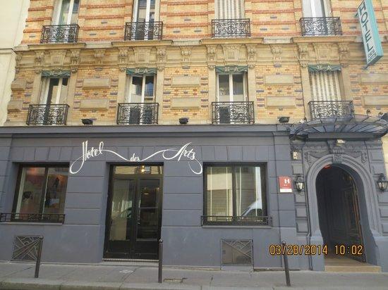 Dall 39 esterno picture of hotel des arts bastille paris for Hotel design bastille