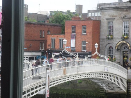The Winding Stair : Best view of over the Liffey River!!!!