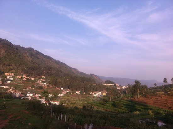 Hill Country Kodaikanal: Valley view from cottage2