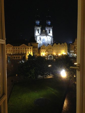 Hotel Lippert : View from our room at night