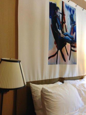 Hotel Lincoln, a Joie de Vivre Hotel: That serves a clean pillow