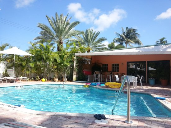 The Victoria Park Hotel: Pool area