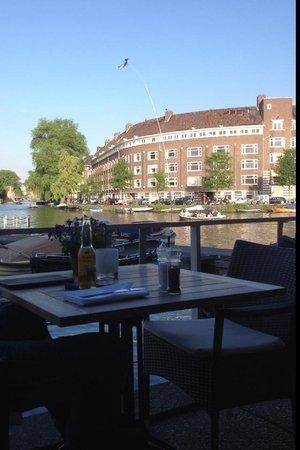 Wyndham Apollo Hotel Amsterdam: Vista aperitivo e colazione esterna
