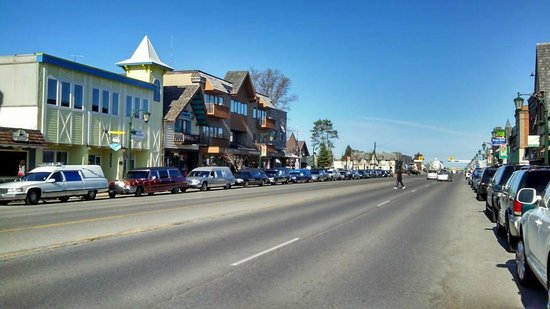 Waters Inn: Northern Michigan Hearse Cruise