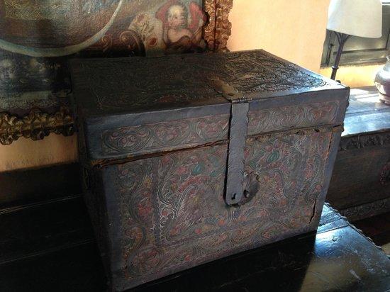 Casa del Moral: chest