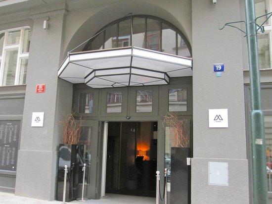 The Emblem Hotel : Prague Emblem Hotel - Entrance