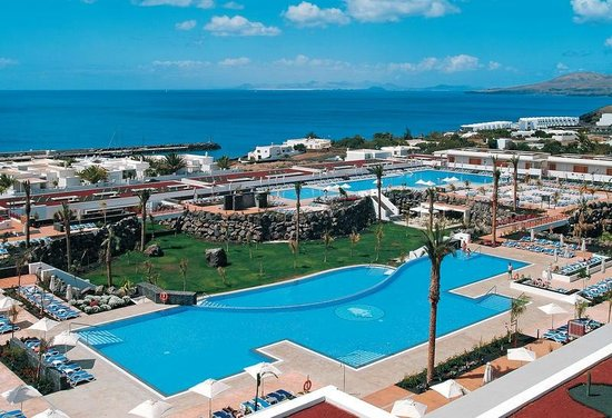 Hotel Costa Calero : The hote grounds and pools.