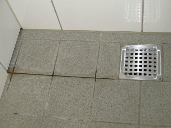 Scandic Copenhagen : bathroom floor