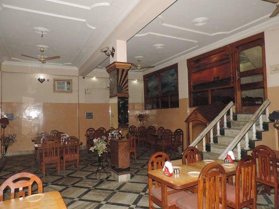 Shivam Hotel: Restaurant / Bar