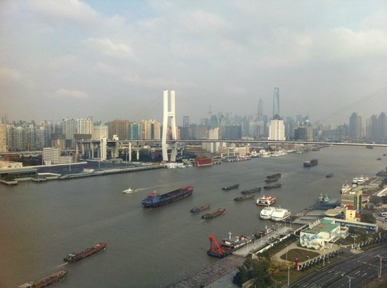InterContinental Shanghai Expo: вид из окна
