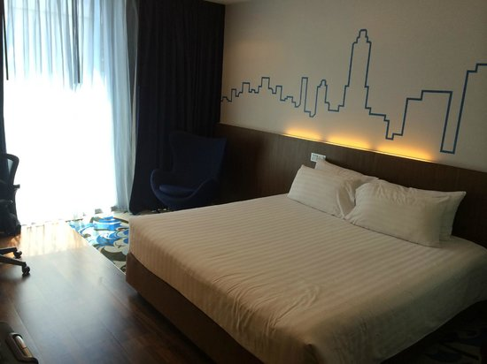 Galleria 10 Hotel Bangkok by Compass Hospitality: double bed