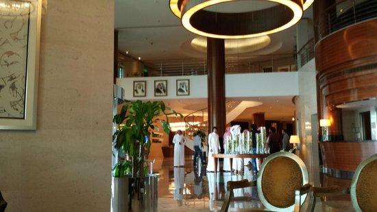 Movenpick Hotel Al Khobar: The Lobby Mövenpick Hotel, Al Khoba, Eastern Province, Saudi Arabia