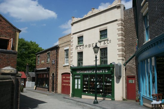 Blists Hill Victorian Town : One of the shops