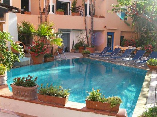 Hotel Terme Zi Carmela: Piscina