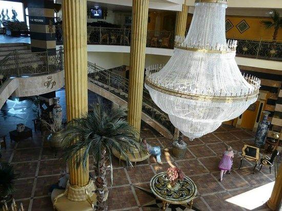 Victoria Palace Hotel & Spa: вход