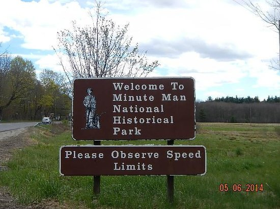 Minute Man National Historical Park: Entry sign