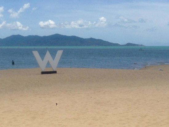 W Retreat Koh Samui: The W sign at the beach