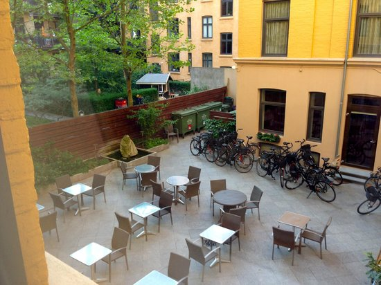 Hotel Ansgar: Patio
