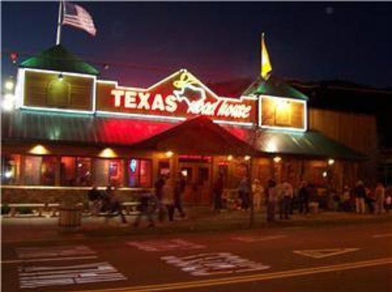 Texas Roadhouse: Texas Raodhouse At Night