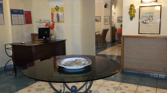 Hotel Terme Zi Carmela: Una delle tante sale comuni