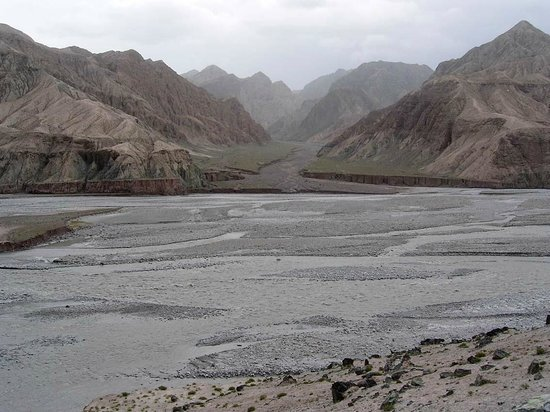 Baisha Mountain : Austritt des Ges-Flusses in das Kunlun-Vorgebirge