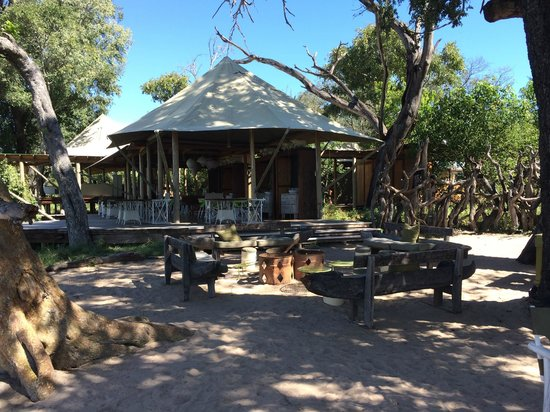 andBeyond Xaranna Okavango Delta Camp: This is where breakfast is served by the fire each morning.