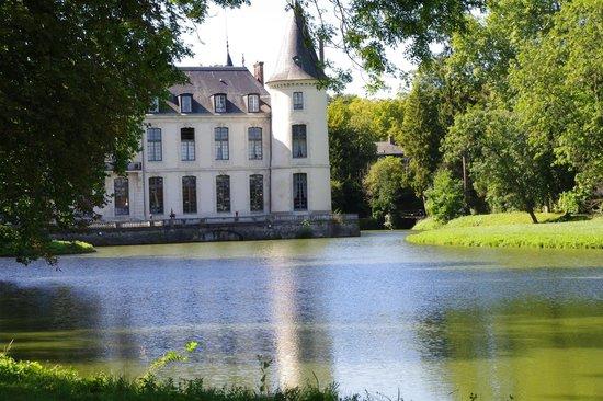 Chateau D'Ermenonville: Château vu du Parc