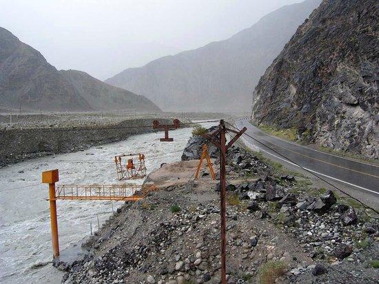 Baisha Mountain : Nationalstraße 314 entlang des Ges-Flusses