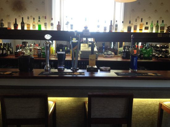 Chase Hotel: Bar area