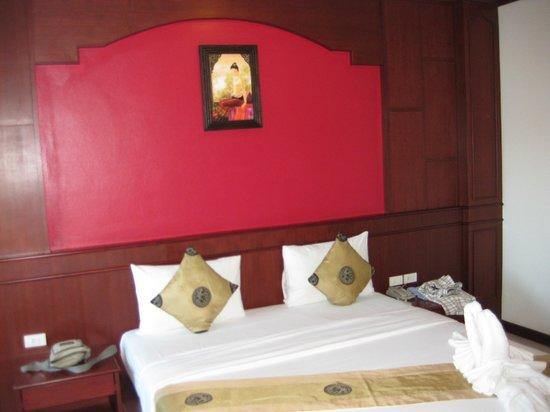 PT Residence : кровать