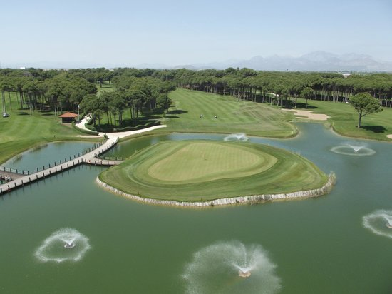 Sueno Hotels Golf Belek : 18th on the 'Dunes' from our balcony