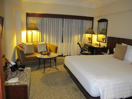 Dusit Thani Manila: Our room